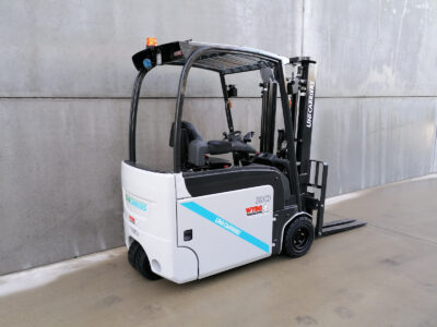 UniCarriers 2Ton nieuwe elektrische 3-wiel heftruck - zijkant